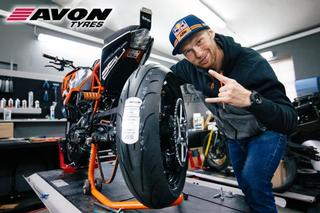 KTM-Stuntrider Rok Bagoros is riding now on Avon Tyres
